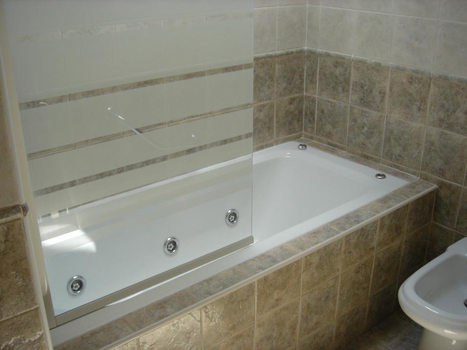 Bañera de hidromasaje de la habitacion Río Pisueña en Posada Carpe Diem